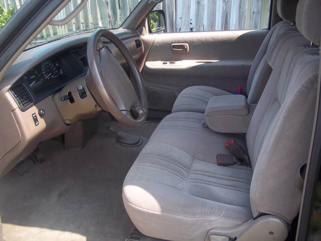 Toyota T100 60/40 Front Seats with an Armrest