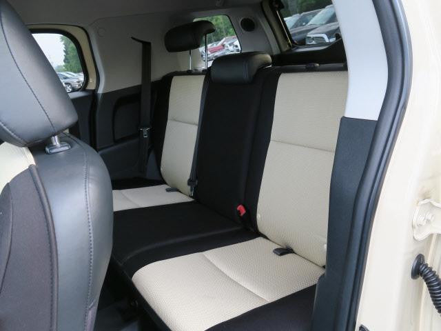 Toyota FJ Cruiser 40/60 Rear Seats