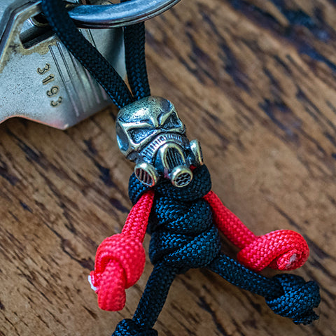 Metalseries© Skull Gas Mask Paracord Buddy Keychain