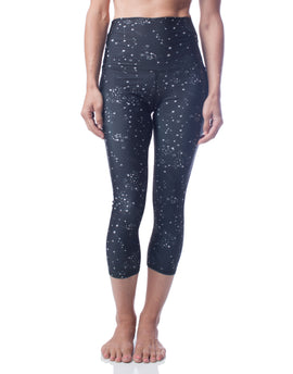 Black White Star Constellation Print High Waist Performance Stretch Capri Crop