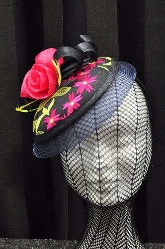 Jendi Fascinator 01-645 Navy with embroided lime green and pink fabric