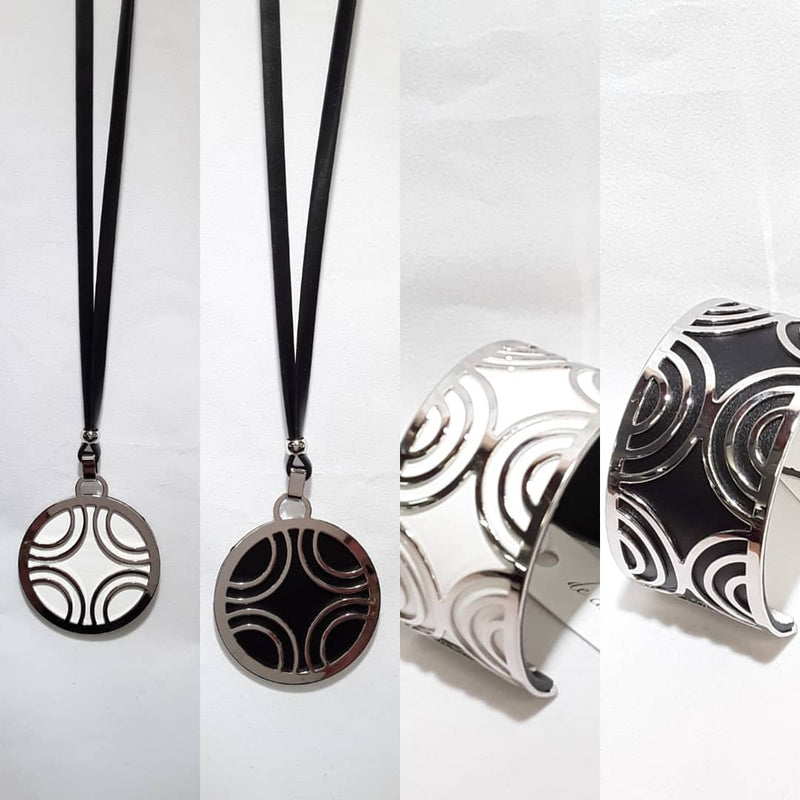 De Cavalier Necklace reversible black and white 301 matching reversible bracelet available