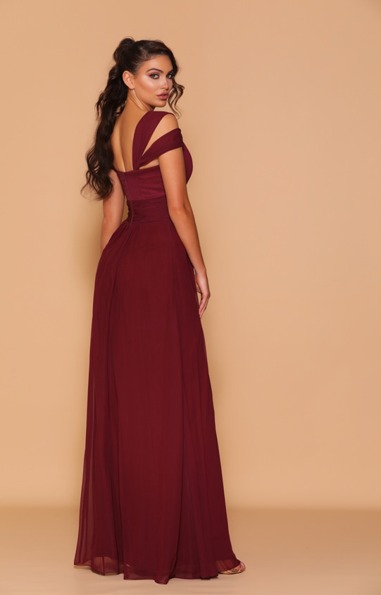 Les Demoiselle - LD1055 (Available in Stock colour Wine, can be colour changed into over 20 different chiffon colours)