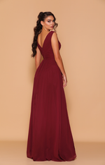 Les Demoiselle - LD1070 (Available in Stock colour Wine, can be colour changed  into over 20 different chiffon colours)