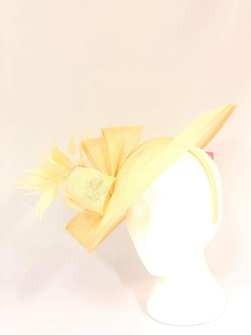 Distinctive Hats Cream fascinator 16452