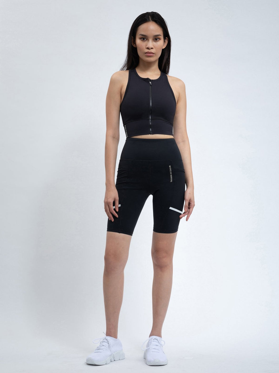 VOI - ZIP FRONT RACERBACK SPORTS BRA IN BLACK