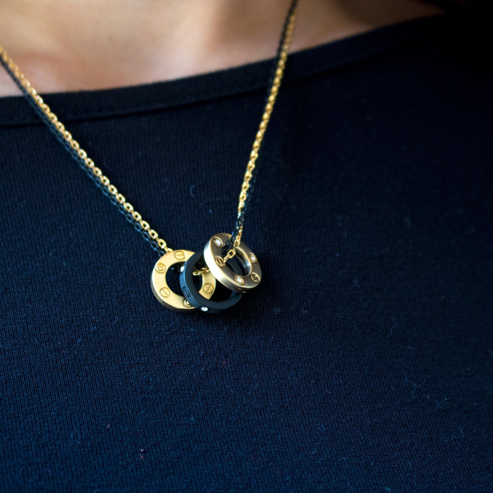 Triple Ring Pendant Necklace - Arlo and Arrows