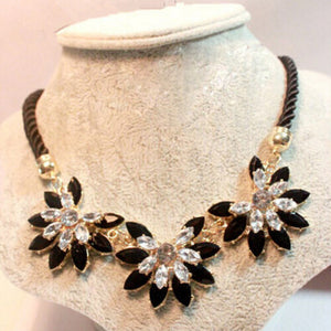 Brilliant Weave Flower Choker Necklace