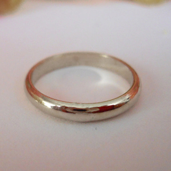 2.5mm Domed Band in Sterling Silver