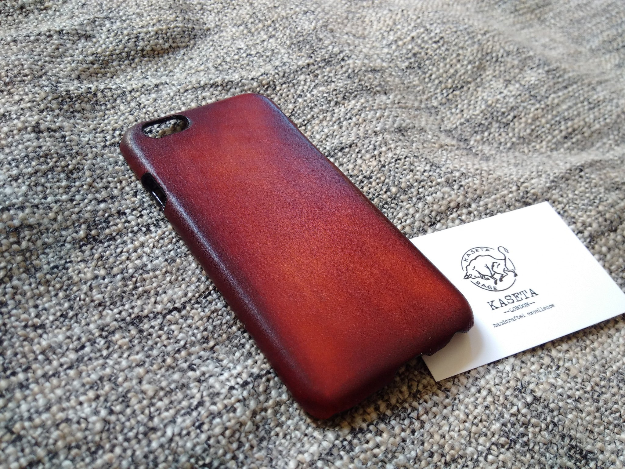 invecchiato custodia in pelle iPhone, Aged mahogany phone case,