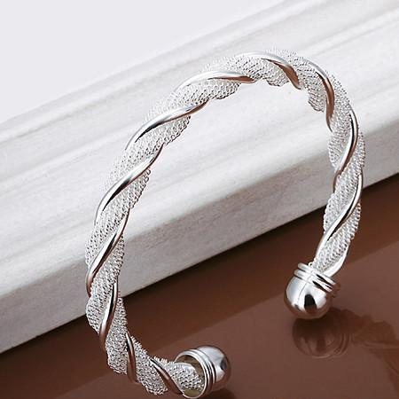 Luminous Net Twist Cuff