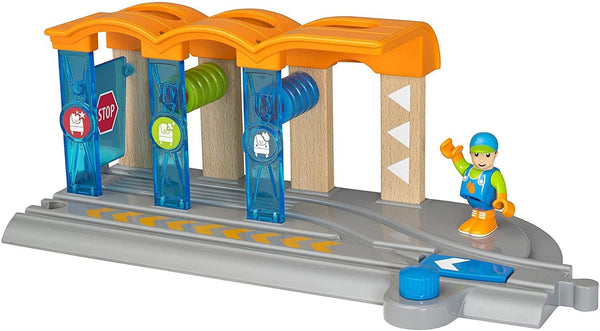 Brio World Smart Tech - 33874 Smart Washing Station | 2 Piece Toy Train Accessory For Kids Ages 3 And Up-Kidding Around NYC