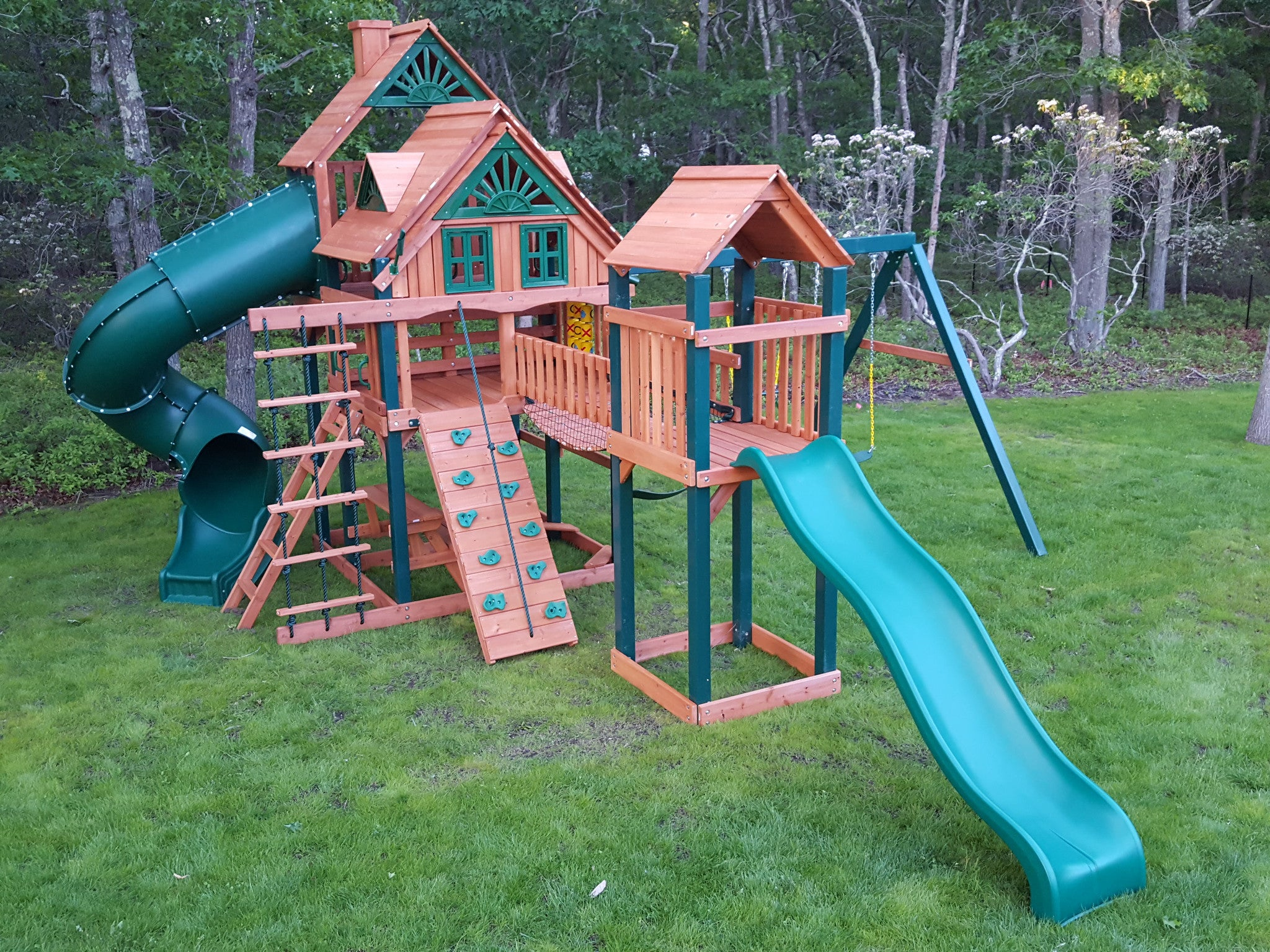 Gorilla Playsets sales and installation from Scottsswingset