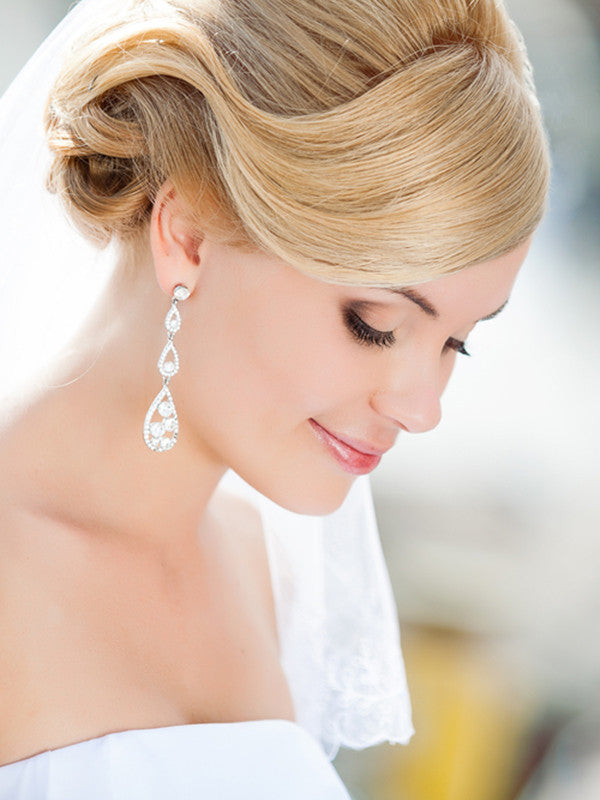 The Must-Have Products to Make Your Wedding Hair Last