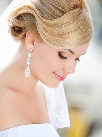 Must Have Products To Make Your Wedding Hair Last Its A 10 Hair Care