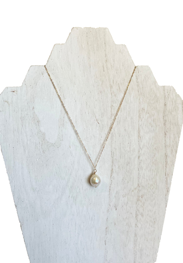 dainty freshwater pearl necklace