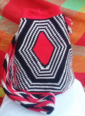 Traditional design on a Wayuu bag
