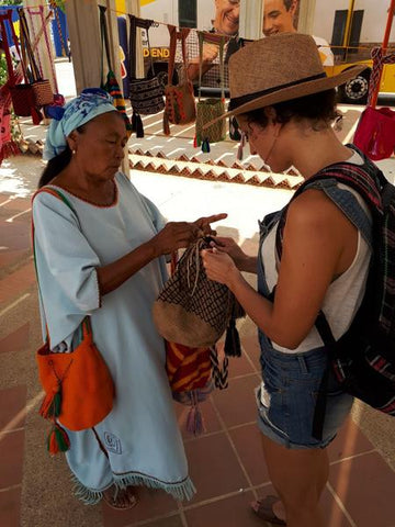 Buying directly from our Wayuu artisan