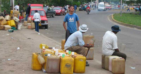 Gas vendors in the streets in Uribia