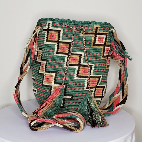 Traditional Wayuu Mochila- Jimeouyaa
