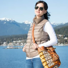 Elegant Mochila with leather Drawstring