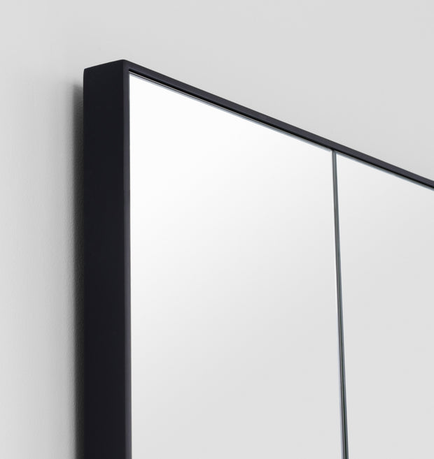Leaner Mirror Black Small
