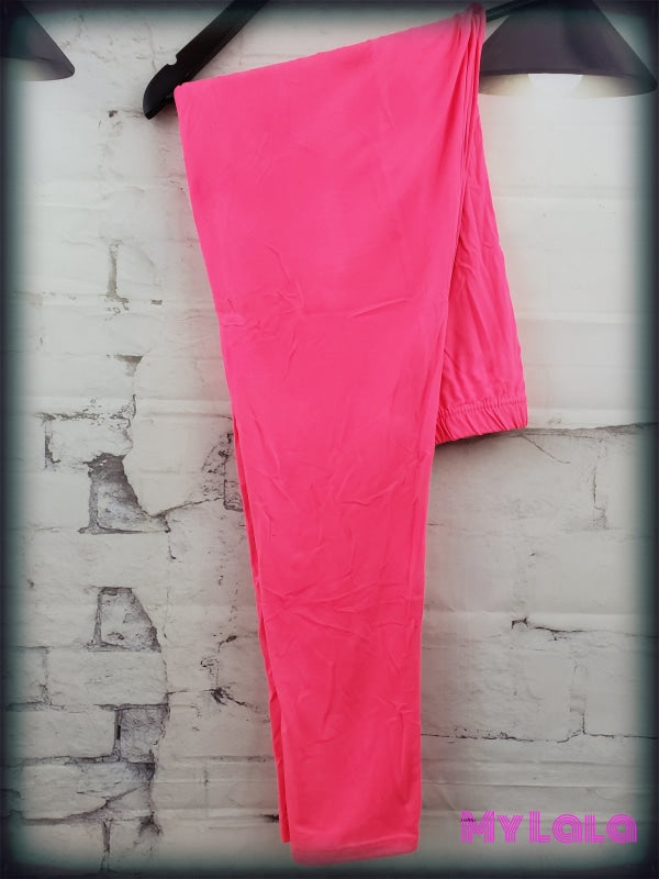 1 Extra Curvy Solid Neon Pink (24-32)