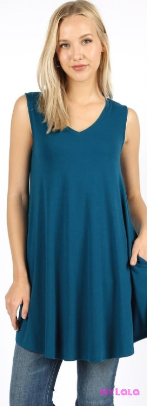 1 Rt 1604 Curvy Valery V Neck (Teal)