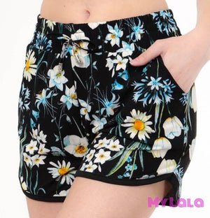 Curvy Daisy Day Shorts