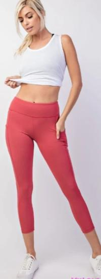 Curvy Pocketed Yoga Softy Capri Activewear (Coral)