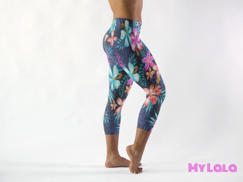 Curvy Pocketed Yoga Softy Capri (Bright Hibiscus) - My Lala Leggings