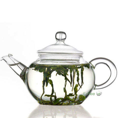 glass gongfu teapot steeping green tea