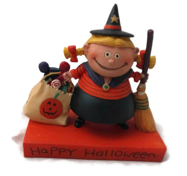 Blossom Bucket Halloween Witch with Bag Halloween Figurine