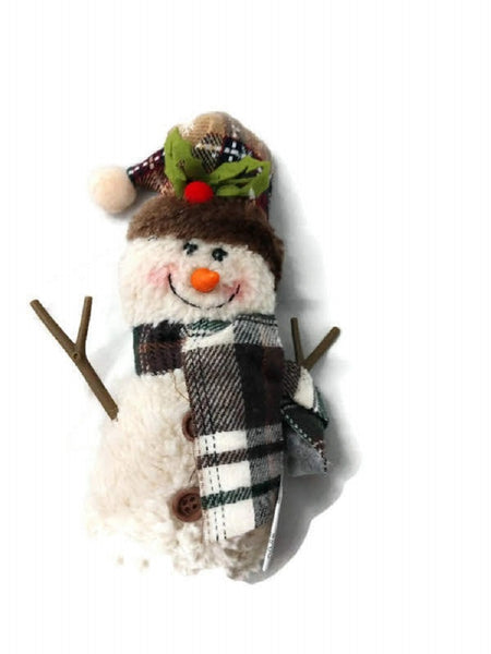 Spirited Snowman with Tall Hat by Hannahs Handiworks