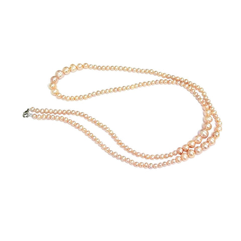 Delicate Pearls Necklace