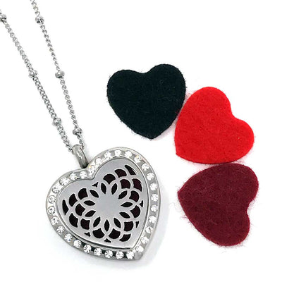 Passion Diffuser necklace with heart-shaped diffuser pads