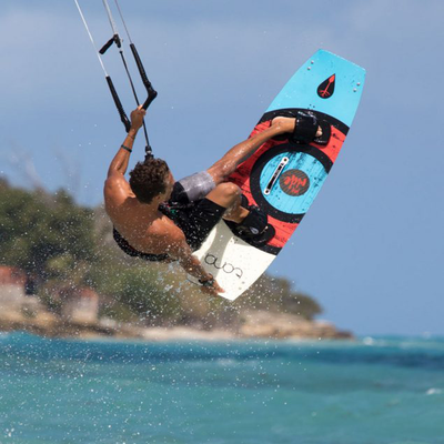 Tona Joy Ride Freestyle Kiteboard (complete) - Action
