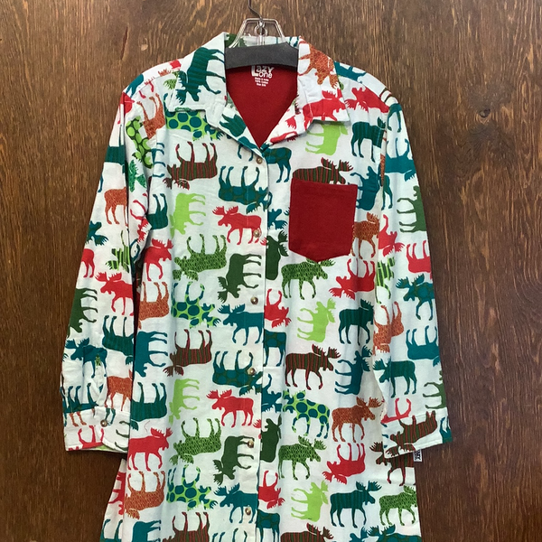 Pattern moose button night shirt