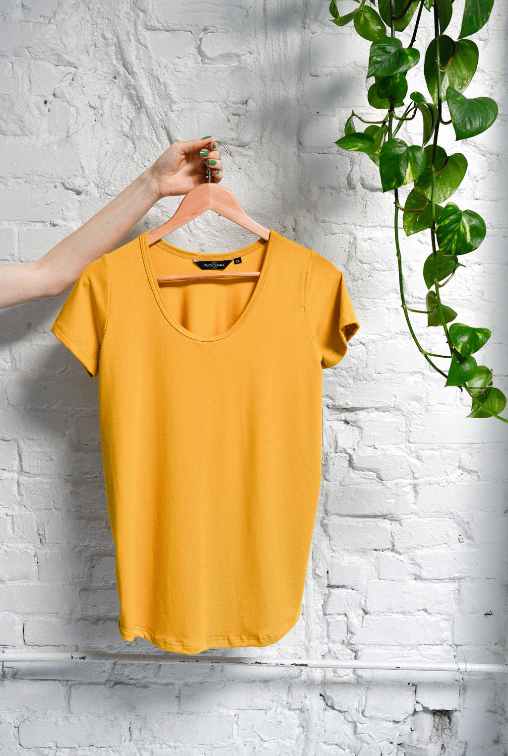 The Bamboo Perfect T in Gold