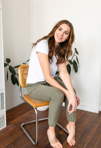 The Linen Joggers in Olive