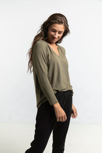 The Long Sleeve Perfect T in Olive