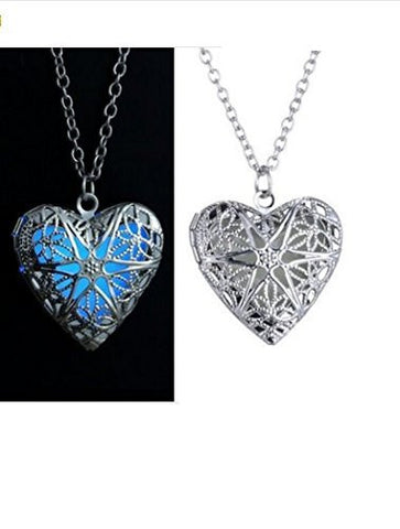 1 PCS Hollow Heart Necklace Pendant Luminous Glow In The Dark Locket Glwoing Jewelry Gifts