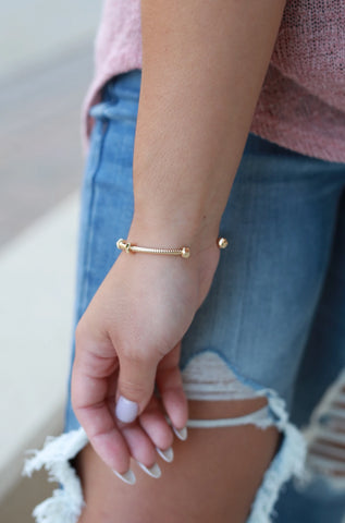 GOLD TEXTURED METAL CUFF