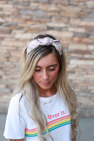 WHATS KNOT TO LOVE FLORAL HEADBAND