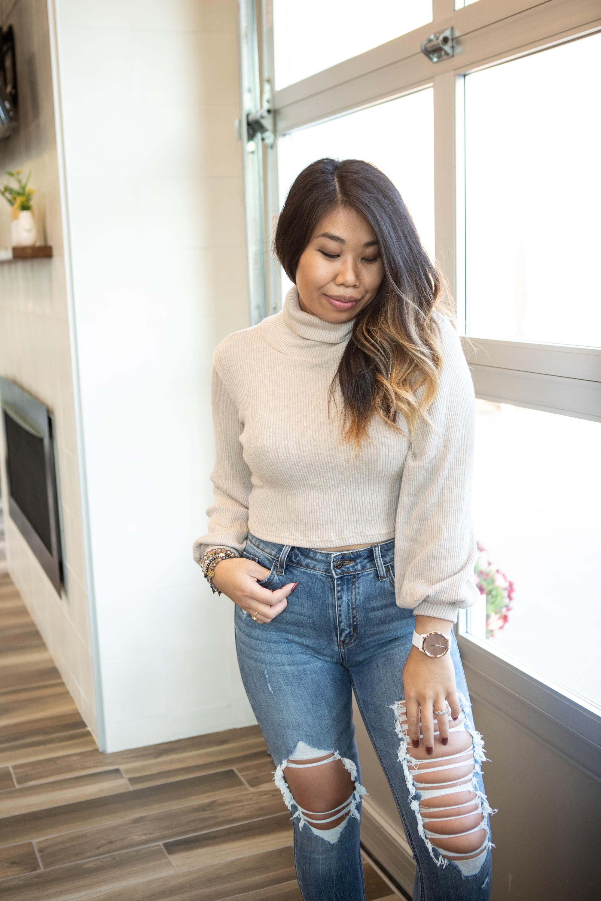 HIGH ROLLER TAUPE TURTLENECK TOP