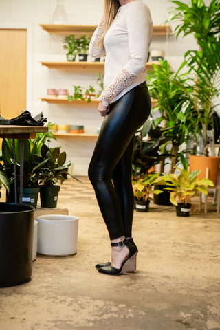 SLICK UP THE PACE LEATHER LEGGINGS