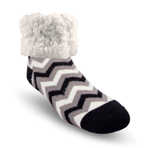PUDUS SLIPPER SOCKS: BLACK CHEVRON