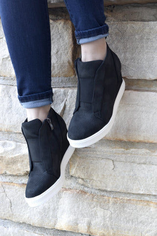 IT GIRL BLACK WEDGE SNEAKER
