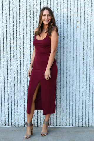 MEET IN THE MIDI BURGUNDY DRESS