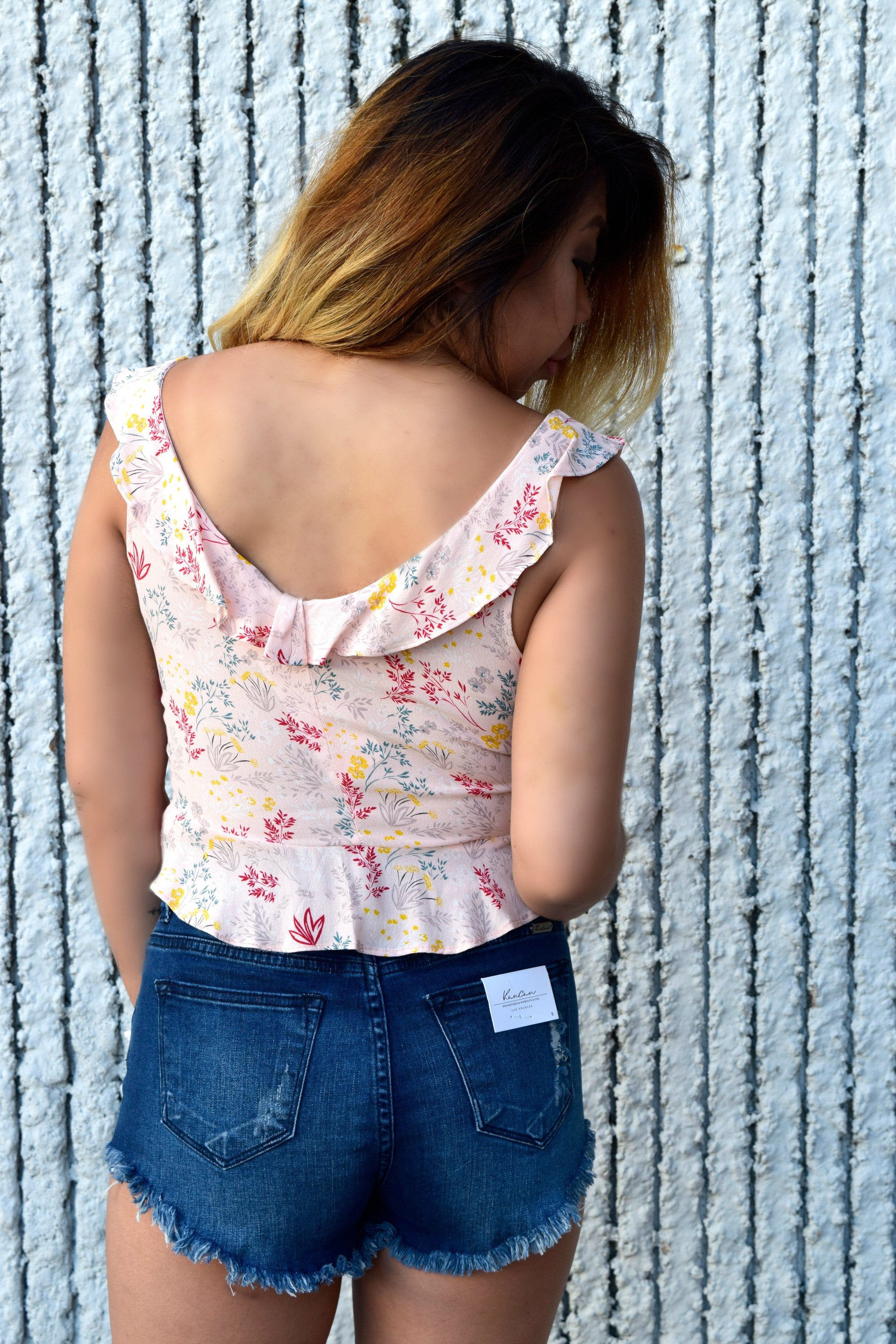 A LITTLE SPRING BLUSH FLORAL TOP